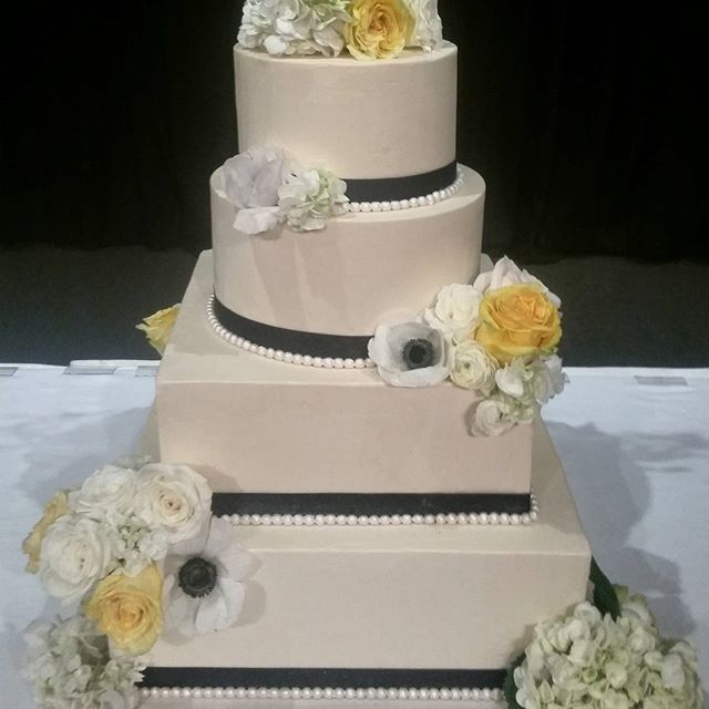 Wedding Cakes Gallery Pictures Laurie Clarke Cakes Portland OR