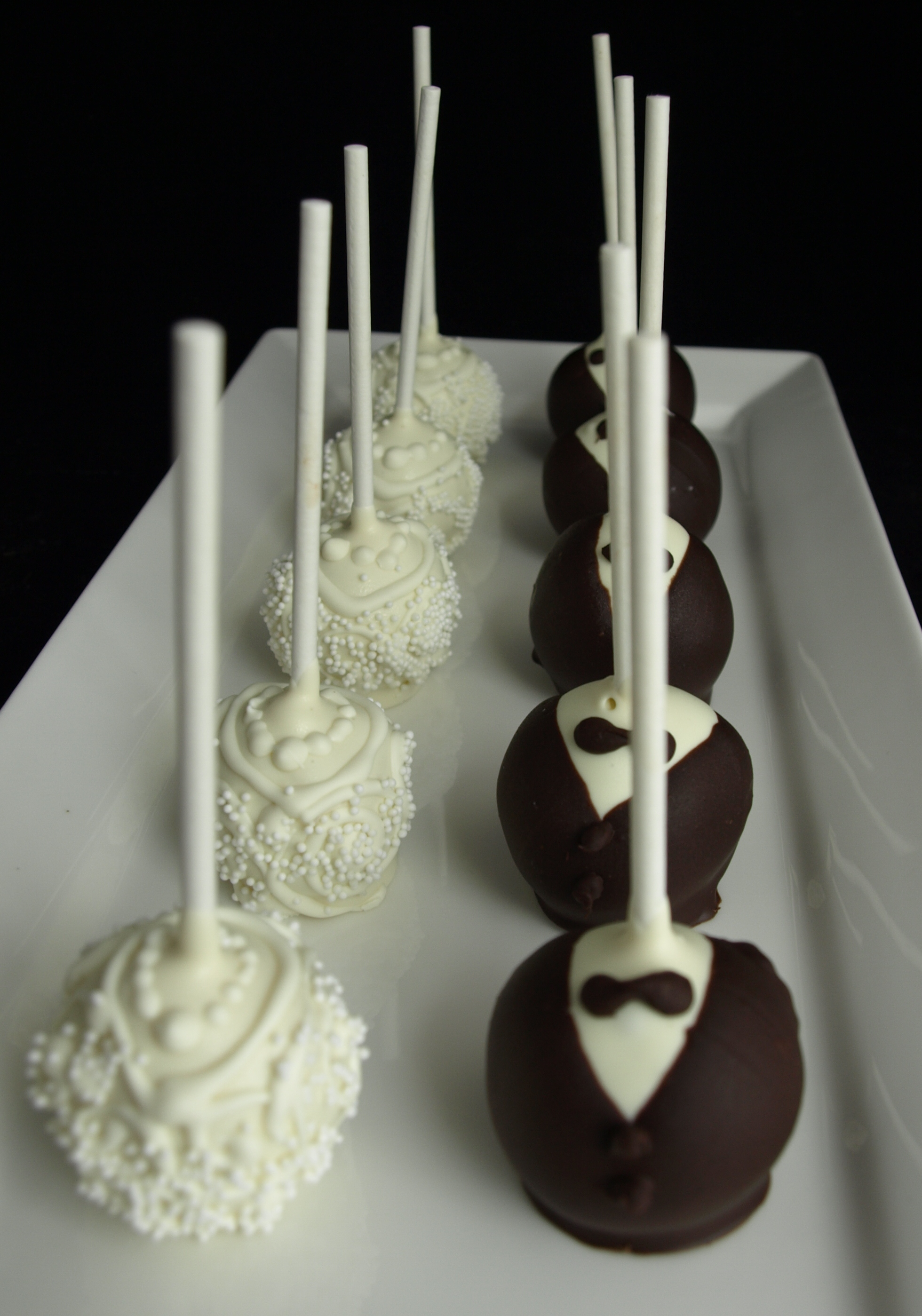 Bride &amp; Groom Cake Pops